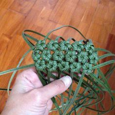 Pin on String art Flax Weaving, Wire Weaving, Basket Weaving, Diy Arts And Crafts, Diy Crafts To Sell, Handmade Bags, Handmade Crafts, Baby Knitting Patterns, Tunisian Crochet