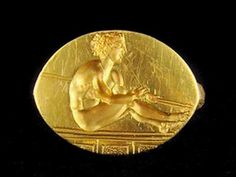 Sveticata mound, Bulgaria - massive gold ring weighing in '15, with fine concave image-rower oliempiets or resting his spear-thrower. The jewel is perfectly preserved without a scratch, which according to scientists is that the ring is not worn, and was a gift to the noble ruler or he himself stole it from the Olympic winner.
