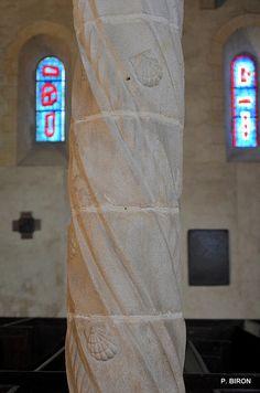 Pilier de la nef de l'église de Varengeville-sur-mer - Seine Maritime - Haute Normandie