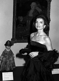 A huge collection of pictures of fashion icon, Jackie Bouvier Kennedy Onassis, wife of JFK and Ari Onassis, she was one of history's more stylish women...