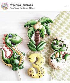 Cookies For Kids, Fancy Cookies, Royal Icing Cookies, Sugar Cookies, Dinosaur Cookie Cutters, Dinosaur Cookies, Gingerbread Icing, Cupcakes, Cookie Designs