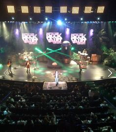 """Loving the rock music retrospective """"Raiding The Rock Vault,"""" appearing on stage nightly at LVH Hotel & Casino in Las Vegas, NV!"""