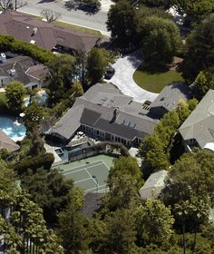 MELISSA JOAN HART BOUGHT THIS HOME IN ENCINO, CA, IN MAY 2003 FOR $2.7M. IT HAS 5 BEDROOMS, 5.5 BATHS, A TENNIS COURT, AND A POOL IN ENCINO CA..MAY 28, 2003..