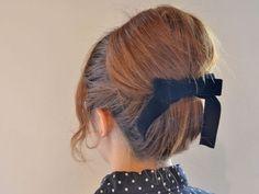 簡単&かわいい♪逆くるりんぱで作るレトロお団子ヘアアレンジ - Yahoo! BEAUTY Easy Hairstyles, Girl Hairstyles, 1960s Fashion, Hair Art, Bobby Pins, Hair Beauty, Yahoo Beauty, Hair Accessories, Hair Styles