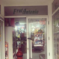 Tu entrada para @elgeorgeharris en #coruña la puedes conseguir en la Frutería de Antonio junto a los mejores y más variados productos venezolanos y latinoamericanos  #VenezolanosenCoruña #coruñasemueve  #giragh2016