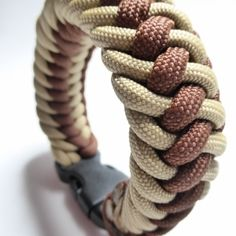Paracord Sand Chocolate Brown Colors: sand – chocolate brown Length: 23 cm Wide: 3 cm Art.nr.: 12 – 085
