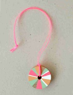 pretty pinwheel necklace