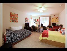 Extra Large Double in Windsor Hall, Luxury Dorms near UF ☼☾ @dormsforgators