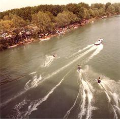 Sci nautico sul fiume Piave a San Donà. 1-5-1984