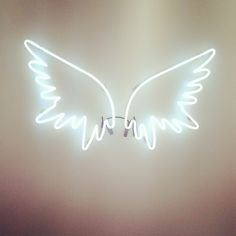 Neon wings sign