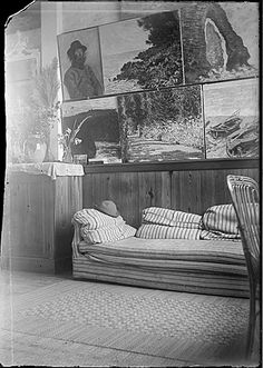 Studio of Claude Monet, Giverny, France, between 1899 and 1909 Creator: Lilla Cabot Perry Claude Monet, Artist Life, Artist At Work, Famous Artists, Great Artists, Archives Of American Art, Giverny France, Impressionist Paintings, Pics Art