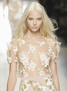 Floral Tops, A Star Is Born, French Vanilla, Fashion Models, That Look, Fashion Photography, Glamour, Celebrities, Lace