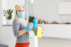 How To Kill Mold, Clean Refrigerator, Types Of Mold, Protective Gloves, Disinfectant Spray, Professional Cleaners, Household Cleaners, Household Tips, Window Cleaner