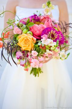 Natural looking bright wedding bouquet