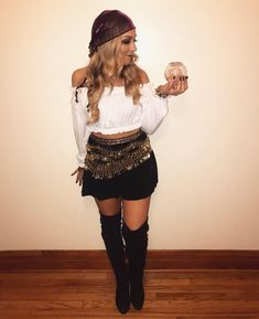Last minute Halloween costume ideas for women - fortune teller Gypsy costume, . - Last minute Halloween costume ideas for women – fortune teller Gypsy costume, - Costume Sexy, Gypsy Costume, Gypsie Costume Diy, Sexy Pirate Costume, Pirate Costumes, Woman Costumes, Mummy Costume Women, Biker Chick Costume, Circus Costume