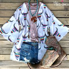 Tribe Vibe Kimono - Light Grey with denim skirt Cowgirl Outfits, Western Outfits, Western Wear, Western Boots, Cowboy Boots, Cute Country Outfits, Country Dresses, Cute Outfits, Demin Skirt Outfit