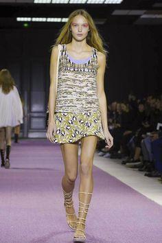 Giambattista Valli Ready To Wear Spring Summer 2016 Paris - NOWFASHION