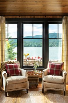 A 500-square-foot vintage log cabin is the centerpiece of lakeside living in the Montana mountains. Living room windows by Sierra Pacific frame the outdoor dining room, with Whitefish lake as a backdrop. #rustic #vintage #cabin Log Cabin Living, Cottage Living Rooms, Living Room Windows, Wall Of Windows, House Windows, Living Spaces, Lake Cabin Interiors, Log Home Interiors, Rustic Interiors