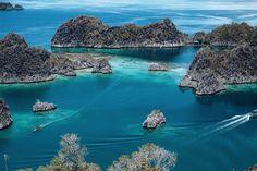 Pianemo Karst, Raja Ampat Manna-Encounter-Raja-Ampat-(www.culinarybonanza.com) #indonesia #islands #papua #travel #paradise #blue #rajaampat