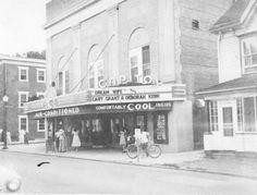 Capitol Theatre in Dover, DE.  ca. 1953.  9200-S27-002 #002.  Delaware Public Archives.  www.archives.delaware.gov
