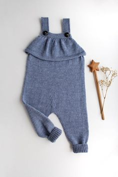 Knit baby romper with a ruffle, hand knitted baby pants, blue merino overall for baby girl, free shi Knitted Romper, Knitted Baby, Crochet Baby, Knit Baby Pants, Romper Pants, Knitting Socks, Baby Knitting, Baby Socks, Baby Sweaters