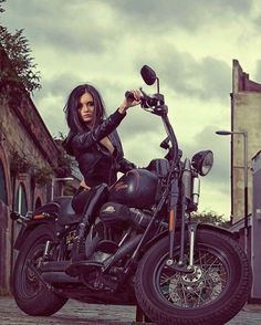– Harley Davidson Class Sporsters – … – … – Vespa & more – Motorrad Harley Davidson, Lady Biker, Biker Girl, Vespa, Biker Photoshoot, Moto Biker, Biker Chick Outfit, Motard Sexy, Motos Harley