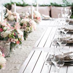 Hochzeitsdeko Fotos Check more at valentinesday. Table Arrangements, Floral Arrangements, Wedding Reception Tables, Wedding Receptions, Floral Centerpieces, Event Styling, Online Courses, Event Design, Elegant Wedding