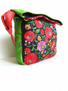 Queen of Matyó contemporary hungarian embroidered bag