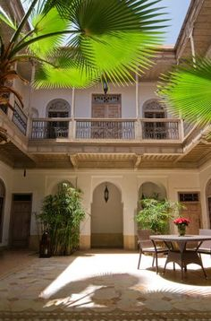 4 bedroom small Marakech Medina hotel for sale
