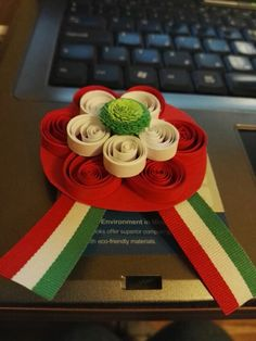 Quilling, National Holidays, Romania, Origami, Mint, Crafts, Bedspreads, Manualidades, Tax Day Deals