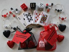 Wedding / party / corporate - favors - casino themed chocolates, charms new Casino Royale, Fète Casino, Casino Cakes, Casino Party Decorations, Casino Theme Parties, Party Themes, Party Invitations, Party Favors, Wedding Favors