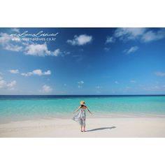 매일 보아도 질리지 않는, 몰디브의 50 Shades of Blue! :)  예쁜 몰디브 바다를 보면서, 오늘도 행복한 하루 되시기를 바랍니다.  오늘도 환한미소로, 활기찬 열정으로, 편안한 마음으로~~!!! 멋진하루보내세요! #리얼몰디브 #Goodmorning #몰디브여행사 #아마리리조트