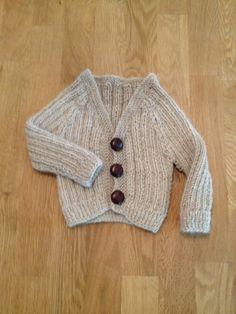 Morfarsjakke med v-hals, Sandnes Alpakka. Egenkomponert oppskrift. 2013-kolleksjonen Stitch, Sweaters, Fashion, Moda, Full Stop, Pullover, Stitching, Sweater