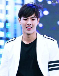 Shownu Hyun Woo, Shownu, My Daddy, Monsta X, Coat, Kpop, Fashion, Moda, Sewing Coat