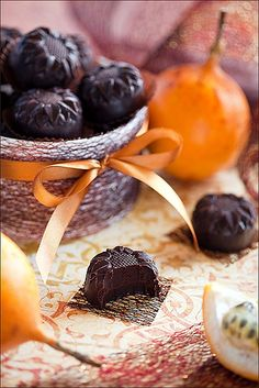 Grenadilla Chocolates (in Russian) Death By Chocolate, Chocolate Box, Chocolate Recipes, Decadent Chocolate, Baby Food Recipes, Dessert Recipes, Food Baby, Hot Fudge Cake, Chocolate Pictures