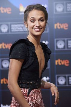 Alicia Vikander: Submergence Screening at San Sebastian Film Festival in – GotCeleb Swedish Actresses, Hollywood Actresses, Alicia Vikander Style, San Sebastian Film Festival, A Royal Affair, Most Beautiful Hollywood Actress, The Danish Girl, Ex Machina, Kirsten Dunst