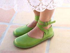 Trippen Donna--de.trippen.com -TRIPPEN - Hackesche Höfe, Hof 4&6, Rosenthaler Strasse 40 / 41 in 10178 BERLIN-Germany--- super Schuhe auch in den USA ! :-)