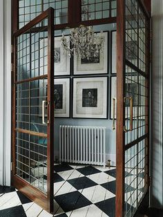 Home Decor For Small Spaces Wonderful reclaimed doors.Home Decor For Small Spaces Wonderful reclaimed doors. The Doors, Windows And Doors, Entry Doors, Front Doors, Interior Walls, Interior And Exterior, Interior Office, Art Deco Interior Bedroom, Interior Plants