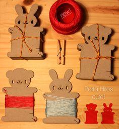 Porta Hilos de Cartón 2 mm<br /> Vienen 4 por pack<br /> 2 conejos y 2 ositos, para mantener prolijos los hilos de coser y bordar �<br /> <br /> Se entrega en bolsita de organza color rojo<br /> <br /> Diseño exclusivo Strawberry Style<br /> Todos los derechos reservados