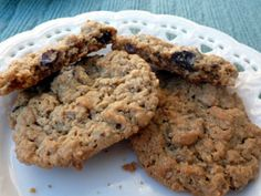 flourless peanut butter-oatmeal-chocolate chunk cookies