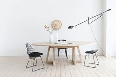 grut-1-oval various dimensions, solid Ash or Oak Handmade by local craftsmen in Fryslan, solid wood, 100% natural finishes and mineral paint. slowwood.nl