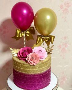 """Doce Encanto 👑 no Instagram: """"Um #balloncake com muuuuuito brilho não quer guerra com ninguém. ✨ #balloncake #cakeballon #glowcake #chantininho #arteemchantininho…"""" Birthday Drip Cake, 40th Birthday Cakes, Birthday Cake Decorating, Wedding Cake Cookies, Wedding Cakes, Cute Cakes, Pretty Cakes, Fondant Cake Designs, Cake Decorating Designs"""