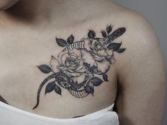 Blackwork Snake and roses tattoo for girls design by @yejitattoo