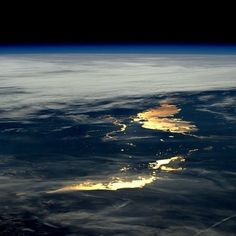 'Beautiful to watch the sun reflected from Earth as we approach night' wrote astronaut Tim Peake of the European Space Agency. Peake (@astro_timpeake) shared the image on April 9. The station is a unique place - a convergence of science technology and human innovation that demonstrates new technologies and makes research breakthroughs not possible on Earth. It is a microgravity laboratory in which an international crew of six people live and work while traveling at a speed of 17500 mph…