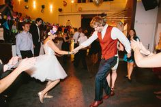 Plastic flowers, glitter and whisky sour - DIY wedding • Amanda & André - Paul liebt Paula