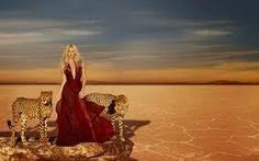 "Imagen promocional de la nueva fragancia de @Shakira Mebarak ""WILD ELIXIR BY @Shakira Mebarak "". Promotional image of the new fragrance from @Shakira Mebarak ""WILD ELIXIR BY @Shakira Mebarak"""