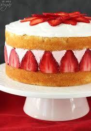 Layers of soft vanilla cake with creamy strawberry ic… Strawberry Ice Cream Cake! Layers of soft vanilla cake with creamy strawberry ice cream! Best Ice Cream Cake, Strawberry Ice Cream Cake, Homemade Strawberry Cake, Strawberry Desserts, Homemade Ice Cream, Ice Cream Cakes, Ice Cream Birthday Cake, Cake Birthday, Birthday Ideas