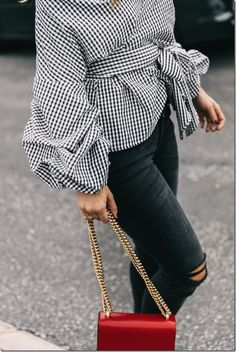 Street Style Inspirations 2017 - the statement blouse