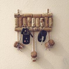 Cork Key holder. Appendichiavi con tappi di sughero. #craft #decortion #hobby #shabby