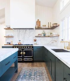 THIS  everything about this kitchen AND rug love!! By @amberinteriors @tessaneustadt